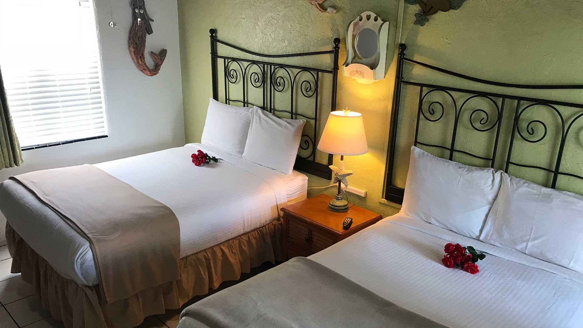 Island Breeze Inn Standard Two Double Beds
