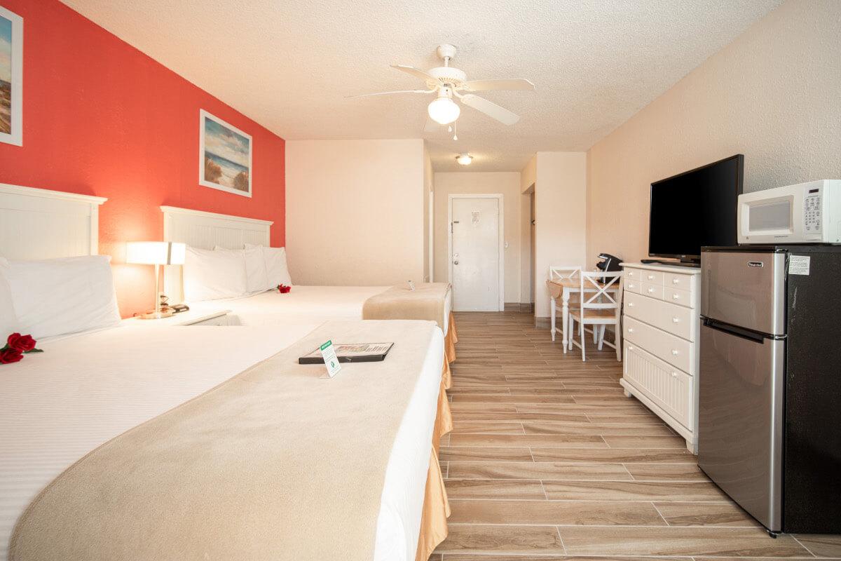 Standard Room with 2 Queen Beds